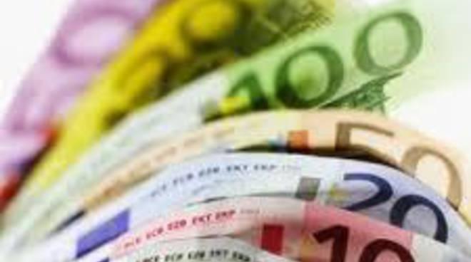 L'Aquila, Provincia: Idv, immorale fondi a staff Presidenza