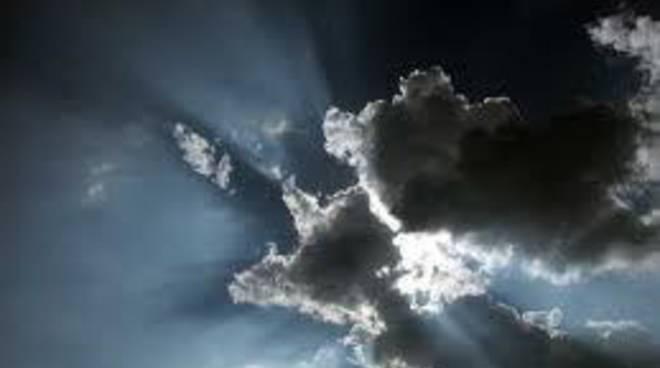 Meteo: tornano le nuvole