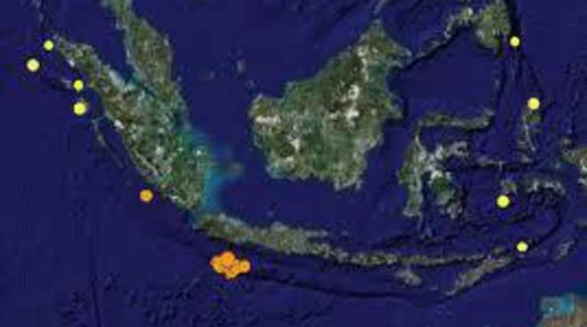 Indonesia, terremoto di magnitudo 8.8: è allerta tsunami