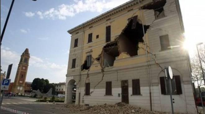 Sisma Emilia: Abruzzo a caccia di tecnici