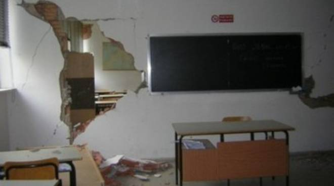 Emilia: 50mila studenti senza banco