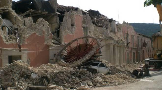 Terremoto Abruzzo, i soldi degli Sms imboscati dalle banche