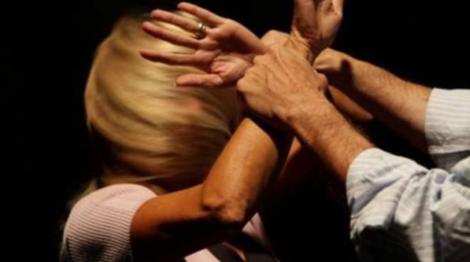 Violenza in famiglia, arrestato 31enne