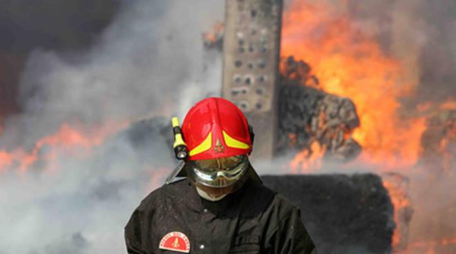 Conapo contro tagli ai vigili del fuoco: sicurezza a rischio