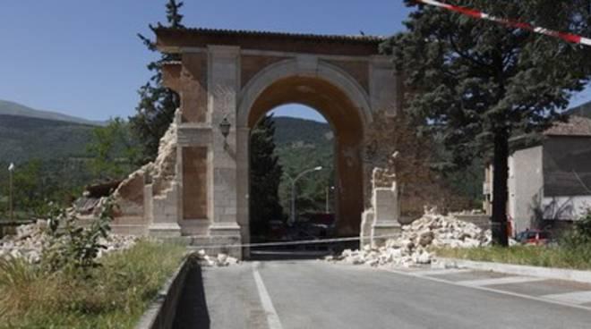 Porta Napoli restituita agli aquilani