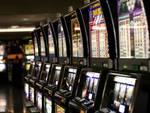 Rubavano slot-machines, sgominata banda