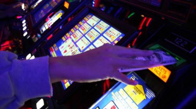 Gioco d'azzardo: messa in regola gestori di locali pubblici