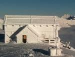 Il rifugio Duca degli Abruzzi aperto anche d'inverno