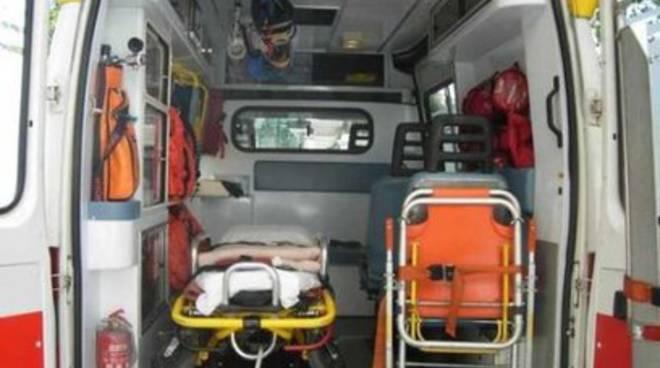 Pescara: petardo in strada, feriti tre bimbi