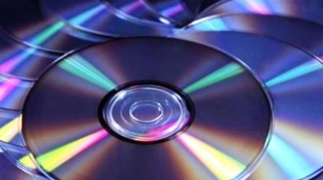 Pettino, sequestrati 100 cd contraffatti