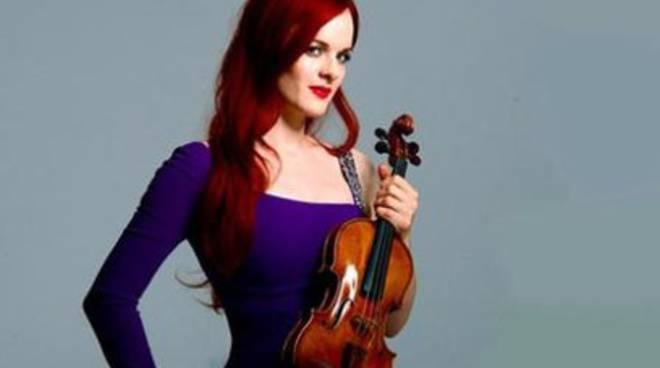Famosa violinista svizzera per la prima volta a L'Aquila