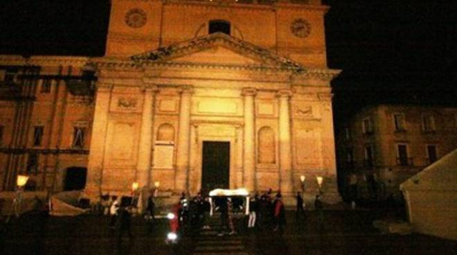 L'Aquila, processione del Cristo morto [Foto]
