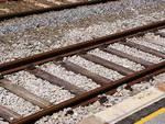 Crollo sui binari, chiuso tratto ferrovia