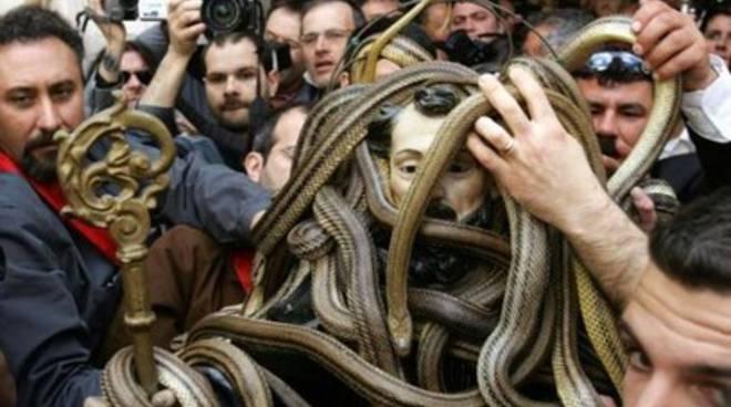 Primo Maggio fra serpenti e serpari