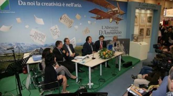 Salone libro, De Fanis: «Non ho oscurato L'Aquila»