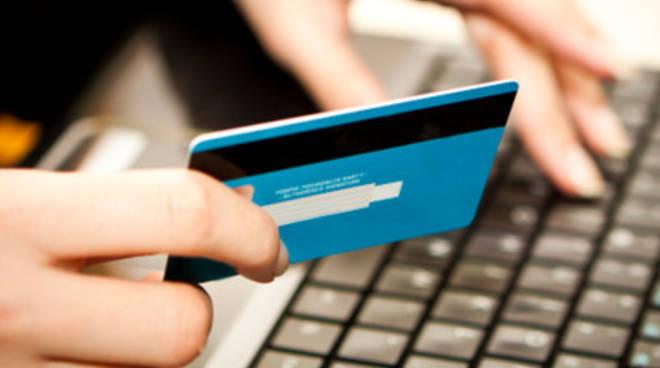 Carte di credito, ondata di truffe in città
