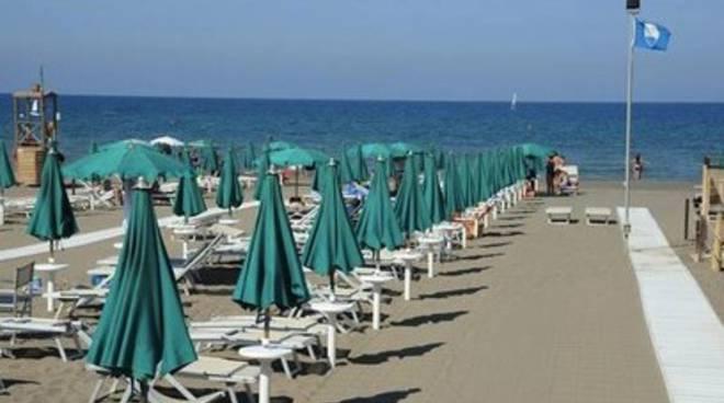 Meno turisti in spiaggia a maggio e giugno