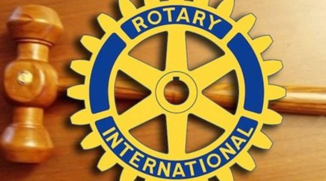 Rotary Club, passaggio del martelletto