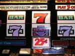 Perde 3500 euro alla slot machine e la ruba