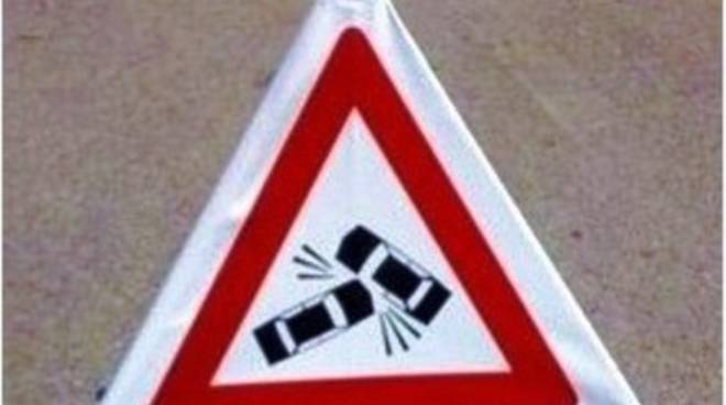 Torrione, incidente tra auto e motorino