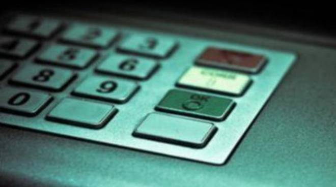 Furti bancomat, sgominata banda 'Cash trapping'