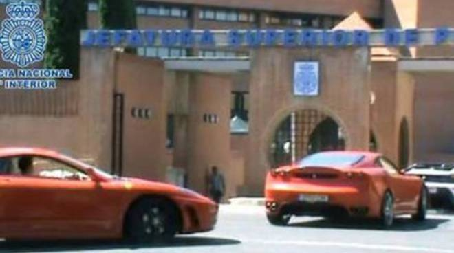 Spagna, sequestrate 17 false Ferrari