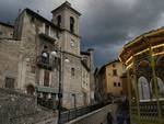 Teppisti scatenati, danneggiate le auto dei turisti a Scanno