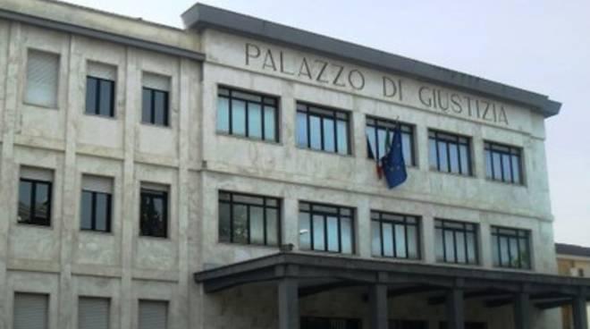 Protesta Sulmona, 'civili' sostengono avvocati