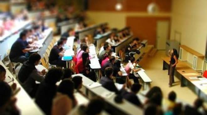 Adsu, «Tavolo per calmierare affitti studenti»