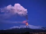 Etna show, nuova altissima eruzione