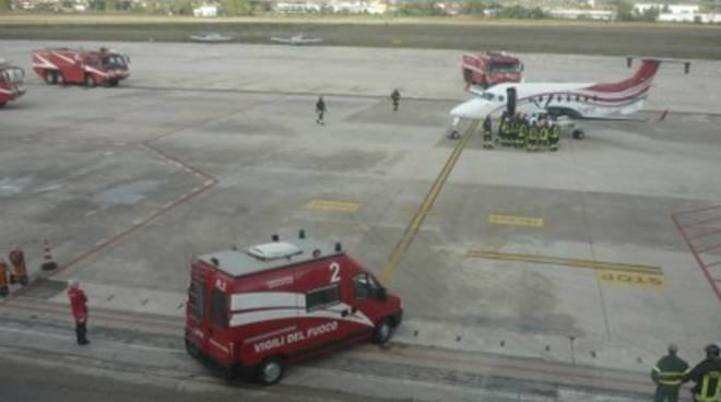 Fumo a bordo, atterraggio d'emergenza per aereo a Pescara