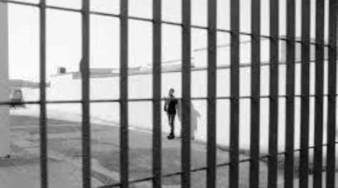 Muore in carcere per droga