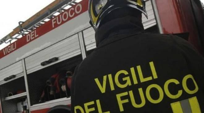 Vigili del fuoco: sit-in protesta davanti prefettura Pescara