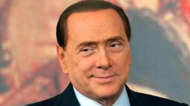 Decadenza Berlusconi, in aula confetti di Sulmona