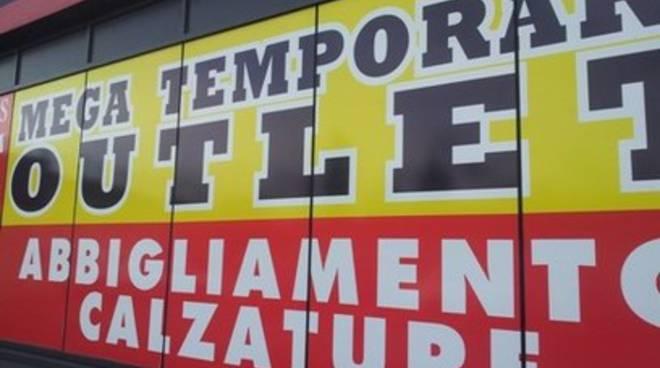 Negozi storici vs temporary outlet: autorizzazioni e legalità
