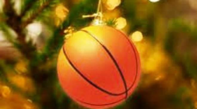 La scuola Minibasket L'Aquila festeggia il Natale