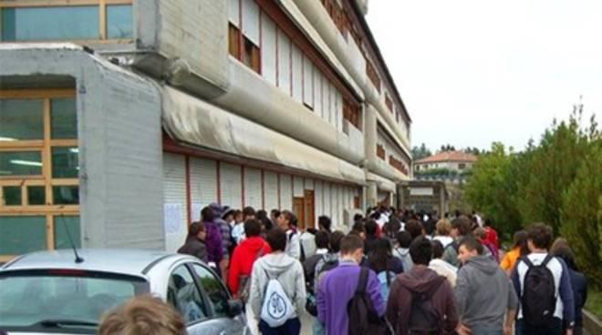 Scuola, defibrillatore a Colle Sapone