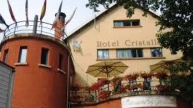 Hotel Cristallo, la chiusura attende un colpevole