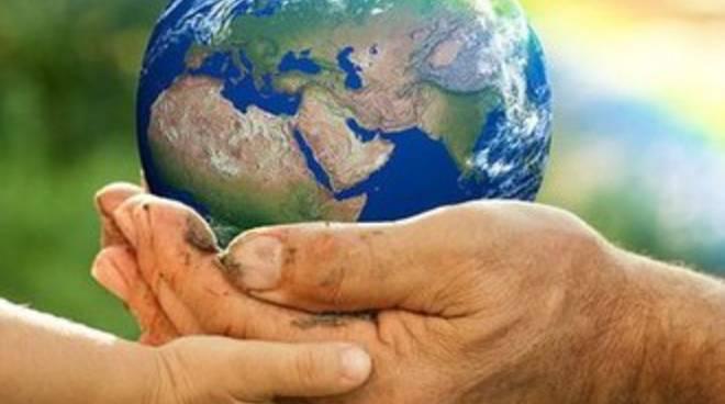 Il mondo al buio per l'ora della Terra