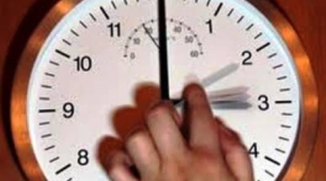 Torna l'ora legale, lancette avanti di un'ora