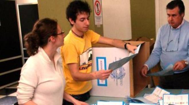 Scrutatori, la proposta Cialente-De Santis