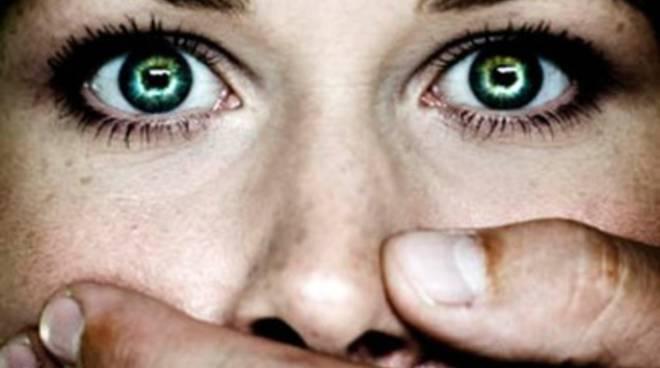 Stop alla violenza sulle donne con 'Mai sola'