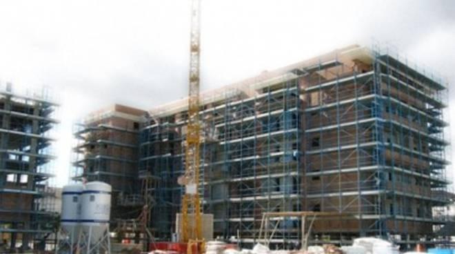 «Edilizia ai minimi storici nonostante la ricostruzione»