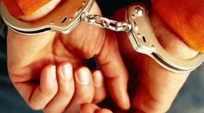 San Salvo, quattro 'paladini della legge' in arresto