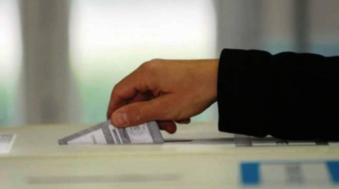 Schede segnate a Teramo, elezioni appese al filo