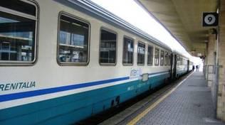 Bimbo travolto dal treno, indagini sui genitori