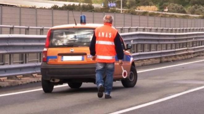 Incidente stradale su SS17, viabilità deviata