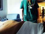 Paziente minaccia infermiera con forbicine
