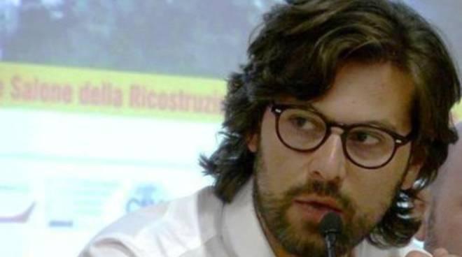 Pietrucci: «Ricostruzione inquinata»