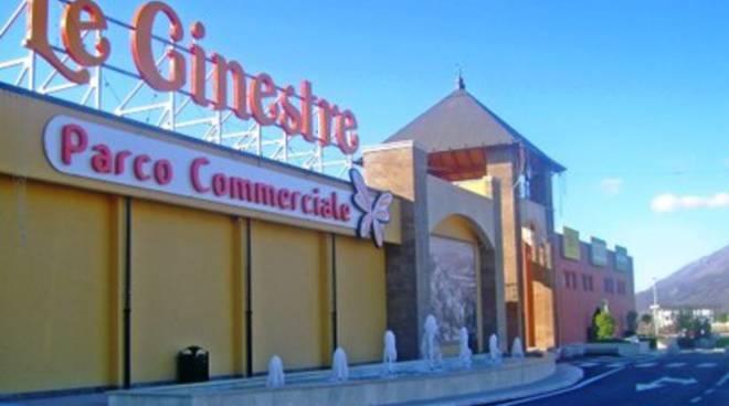 Assaltato il Centro commerciale Le Ginestre
